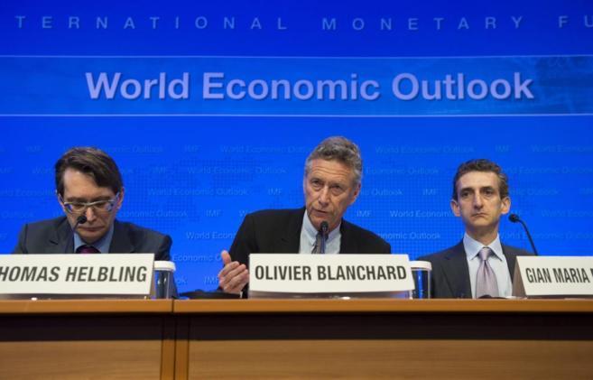Miembros del FMI durante la inauguración de la reunión de primavera...