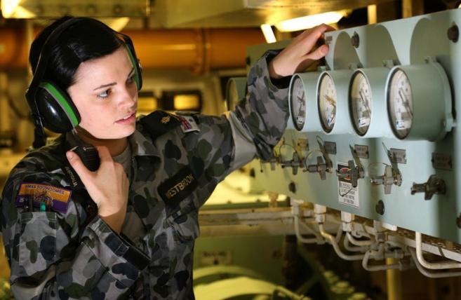 La técnico Emma Westbrook participa en las labores de búsqueda del...