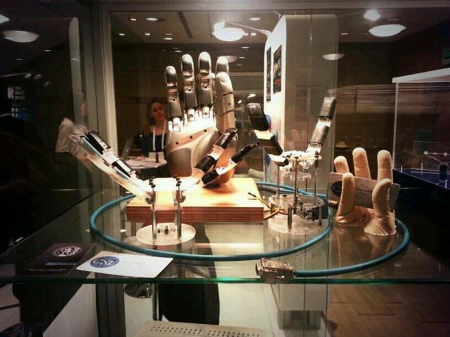 Exposición de la empresa griega Open Bionics en las jornadas europeas...