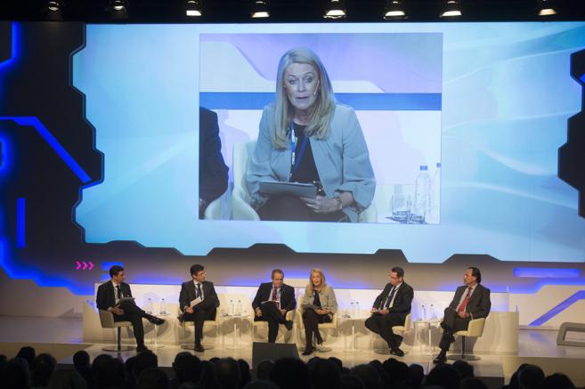 Participantes en la Cumbre de la Innovación organizada por CEOE en la...