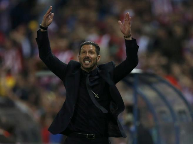 Simeone, durante el encuentro frente al Barcelona.