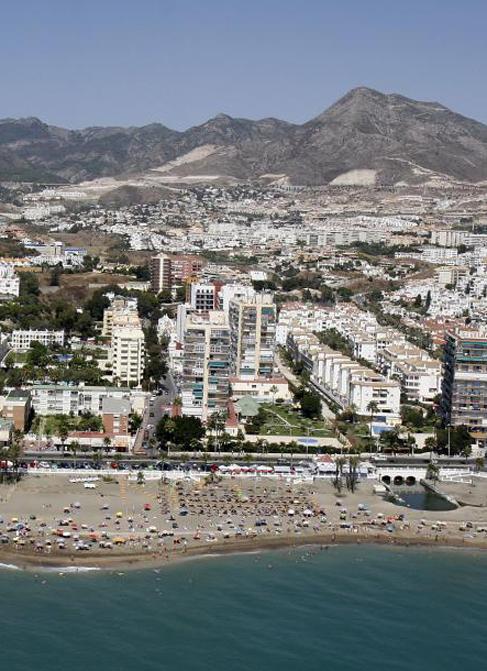 Vista aérea de la costa oriental de Málaga.