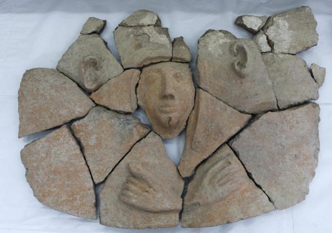 Piezas de cerámica de 3.000 años, expuestos en la Autoridad de...