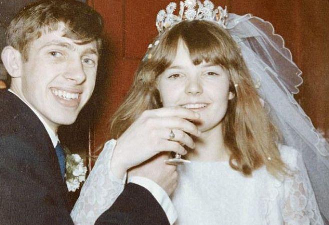 Una foto antigua de boda