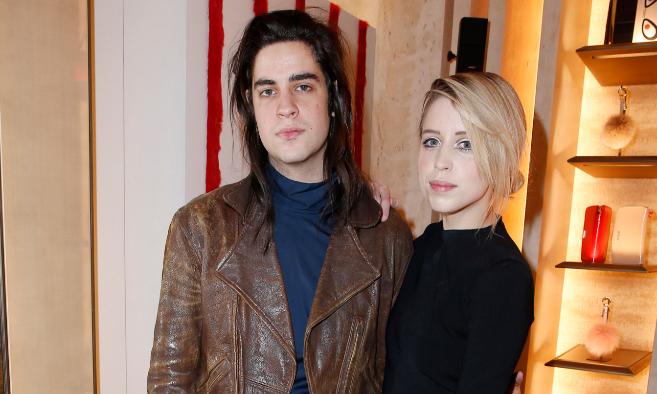 La modelo Peaches Geldof, recientemente fallecida, junto a su marido...