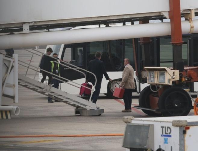 David Cameron, tras aterrizar con su familia en Lanzarote.