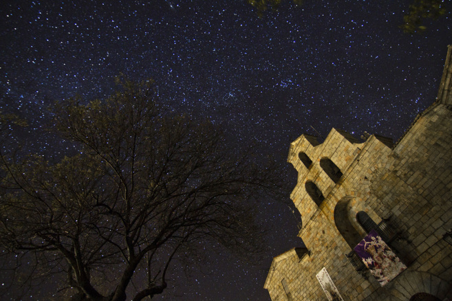 El Santuario de la Virgen de la Cabeza, bajo un espectacular manto de...