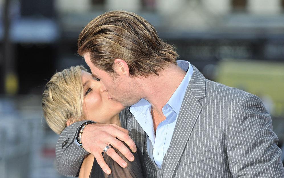 Como dos buenos actores, Elsa Pataky y Chris Hemsworth saben...