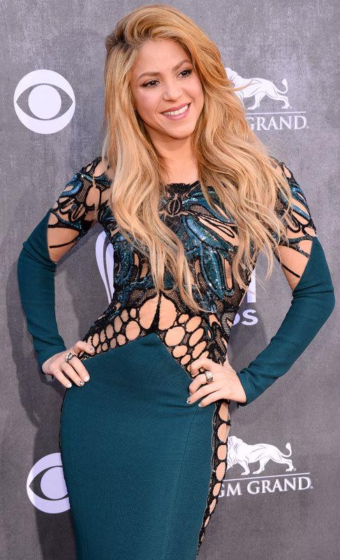 Shakira (37). La cantante colombiana, que lleva media vida viviendo de...