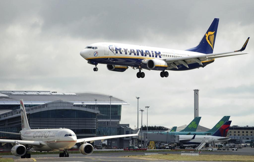 """Los tripulantes de cabina de Ryanair demandan a la aerolínea ante la Audiencia Nacional por """"represalias"""""""