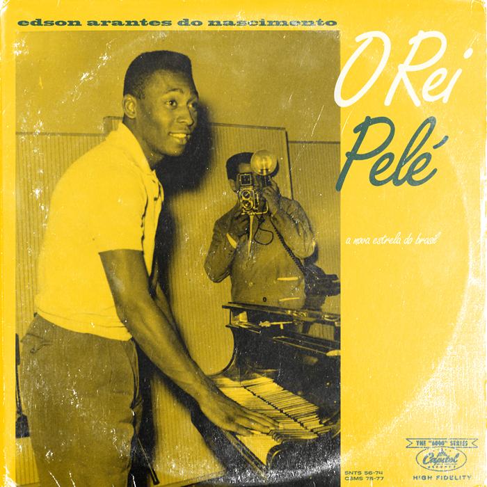 """Pelé, El Rey. Uno de los mejores jugadores de la historia del fútbol y brasileño (el amarillo daba pistas) aparece aquí a punto de arrancarse al piano.  """"Me paso mucho tiempo pensando en el fútbol y en la música"""", confiesa James Campbell Taylor, autor de estos vinilos. """"Aunque las dos cosas me apasionan, me enamoré antes de la música. En el fútbol me fijé más tarde, en 1990, con el Mundial. A partir de ahí, se ha convertido en una pasión"""", cuenta el diseñador. El proyecto se llama 'LPFC', siglas de Long Player Football Club."""
