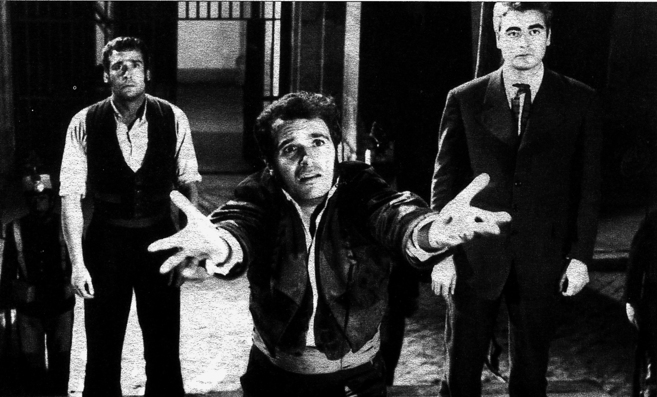 Paco Rabal, en 'Amanecer en Puerta Oscura'.