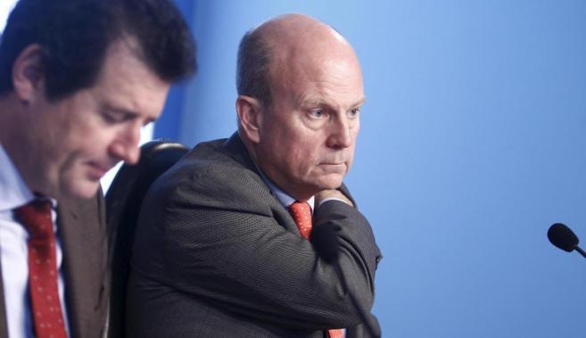 El conseller de Economía, Máximo Buch, junto al vicepresidente José...