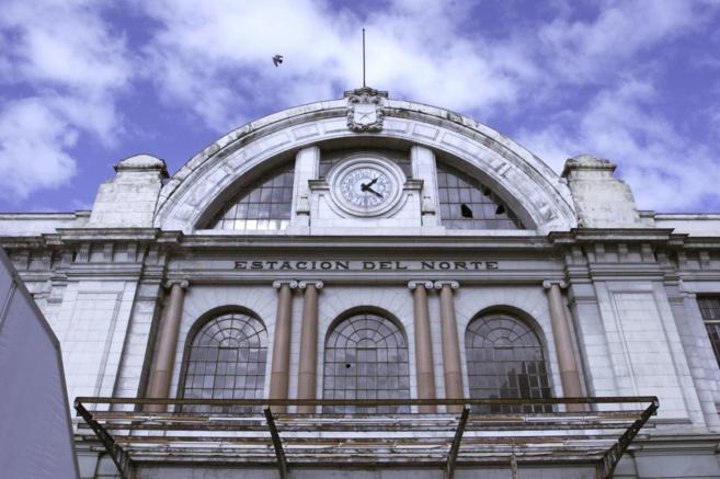 Fachada de la antigua estación de Principe Pío.