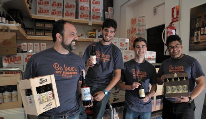 Los socios fundadores de la firma de cerveza artesana Maier, en su...