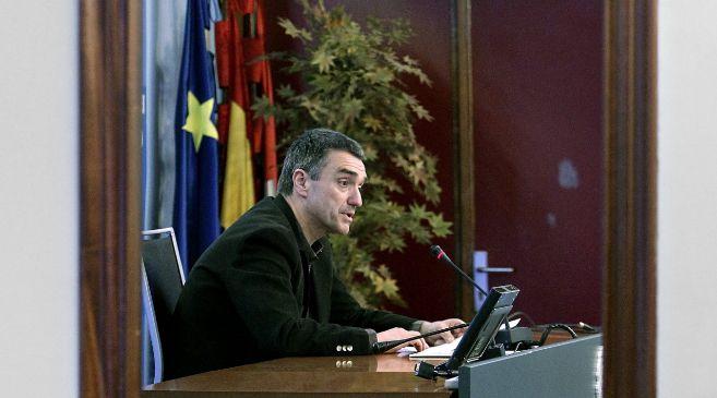 Jonan Fernández presenta ante los medios una encuesta sobre su Plan...