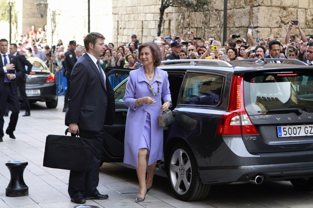 La Reina Doña Sofía a su llegada a la Catedral de Palma.