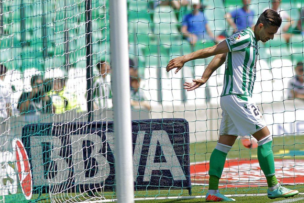 Rubén Castro se desespera en mitad de un partido del Betis esta...
