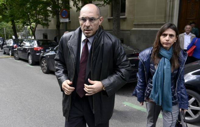 El juez Elpidio Silva, a la salida del Tribunal Superior de Justicia...
