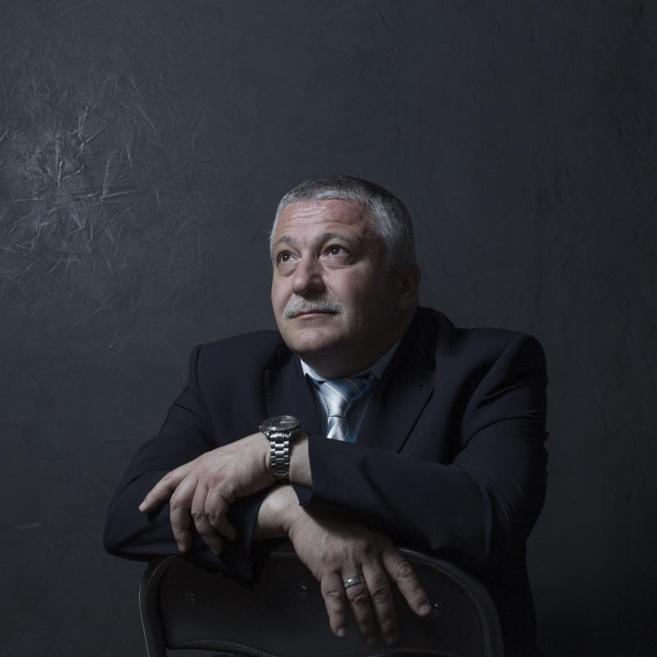 El cosmonauta Fyodor Yurchikhin posa en el Centro Ruso de Ciencia y...