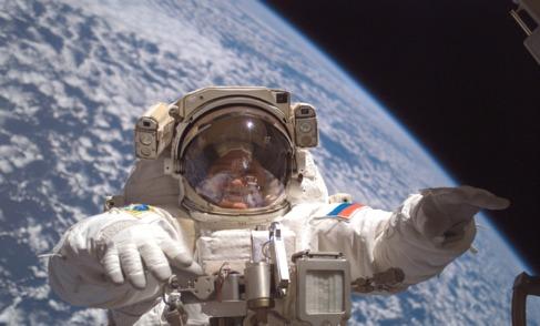 Fyodor Yurchikhin, durante uno de sus cinco paseos espaciales.