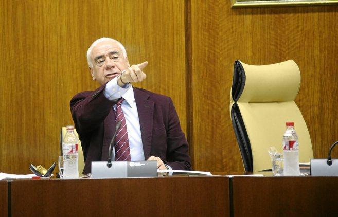 El consejero de Educación, Cultura y Deportes, Luciano Alonso, en el...