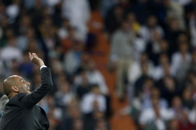 Guardiola durante el partido del pasado miércoles en el Santiago...