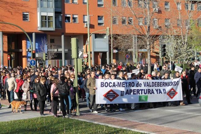 Vecinos de Valdebernardo, durante la manifestación del pasado 4 de...