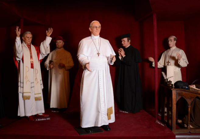 Estatuas de los pontífices que serán expuesta el próximo domingo en...
