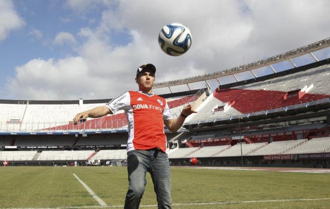 Jorge Lorenzo en el Monumental de River Plate en Buenos Aires esta...