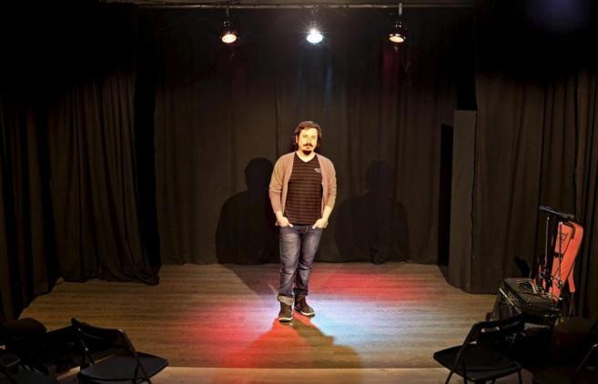 El actor y profesor teatral Felipe Cabezas, en el escenario de la Sala...