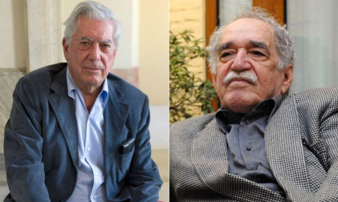 Los escritores Mario Vargas Llosa y Gabriel García Márquez posando...