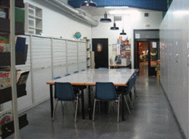 Interior de la biblioteca de San Fermín 'levantada' por los...