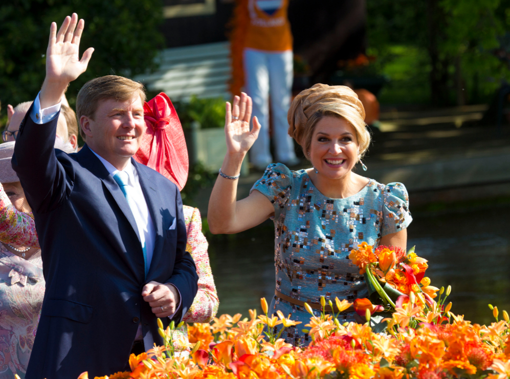 Los reyes Guillermo y Máxima de Holanda celebran su primer 'Día del...