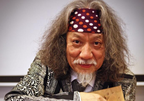 Jin Akiyama, durante la presentación de su 'show'...
