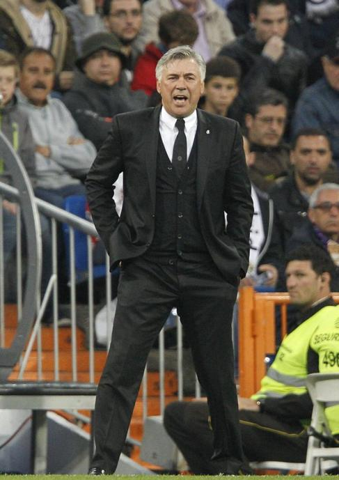 Carlo Ancelotti durante el partido ante Osasuna.