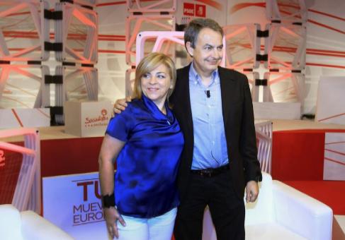 Elena Valenciano y Zapatero, en el acto celebrado en Madrid.
