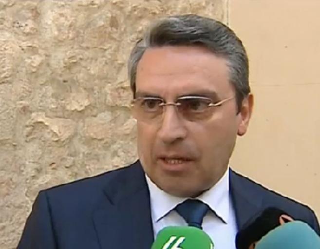 El alcalde de Cullera, Ernesto Sanjuán, del Partido Popular, a la...