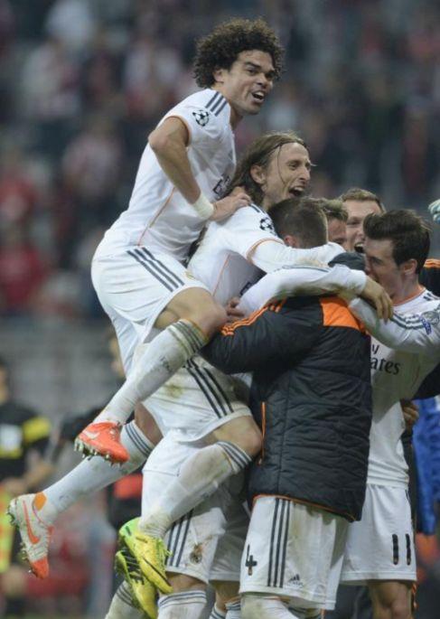 Los jugadores del Real Madrid celebran la victoria en Múnich.