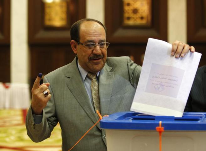 Nuri Al Maliki vota en Bagdad.