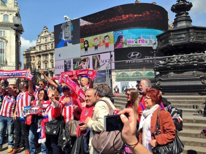 Aficionados del Atlético del Madrid en Londres.