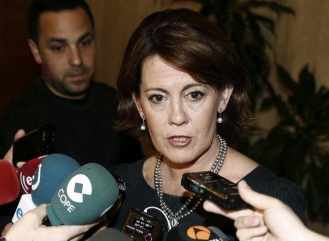 La presidenta de Navarra, Yolanda Barcina, atiende a los medios de...