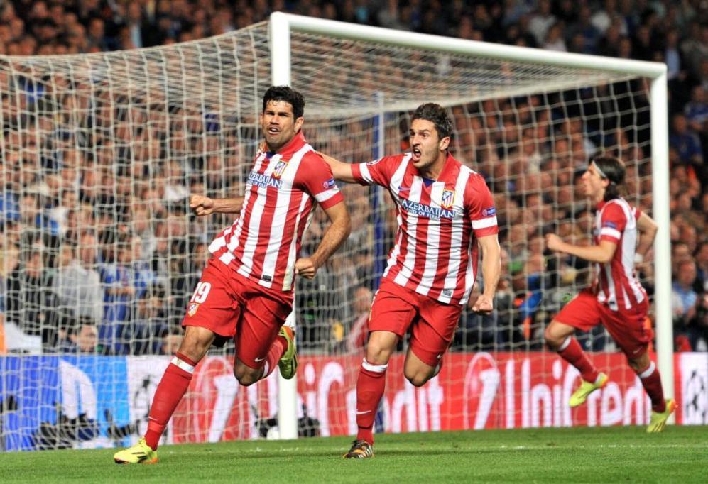 Diego Costa celebra con el 1-2 junto a Koke.
