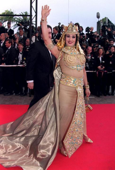 Fifi Abdu, vestida de Cleopatra, en el festival de Cannes.