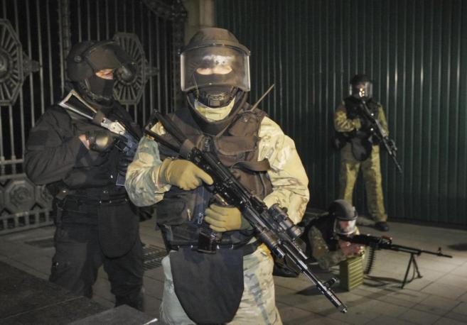 Soldados ucranianos cerca de Kiev