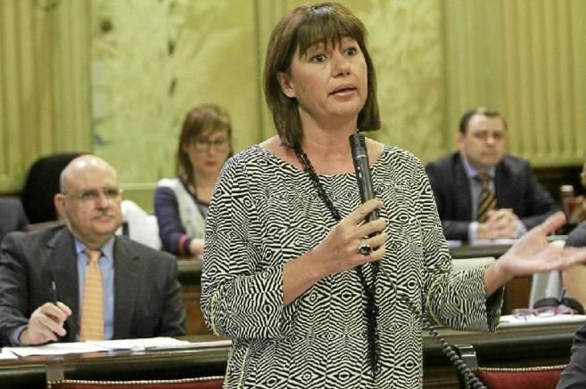 La secretaria general del PSIB, Francina Armengol, en el Parlament.