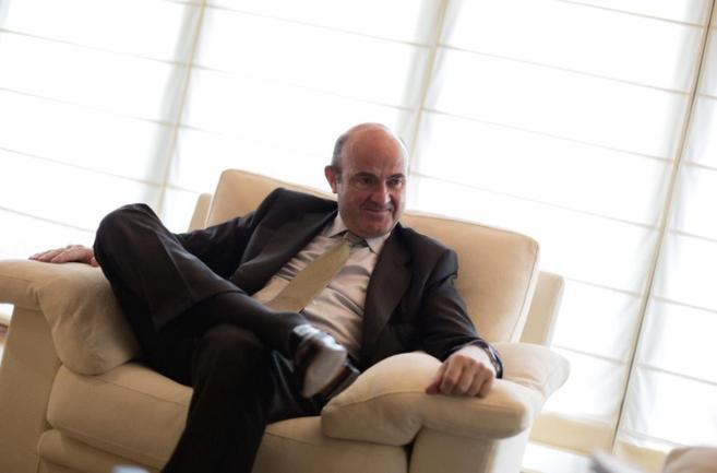El ministro de Economía y Competitividad Luis De Guindos durante su...