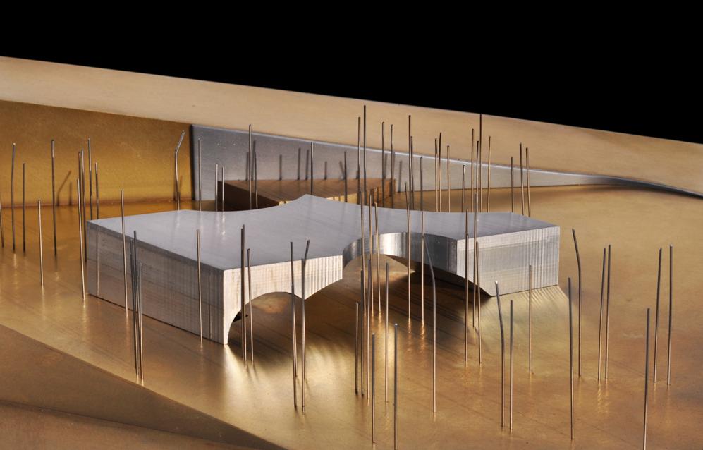 Maqueta de la marquesina que cubrirá el acceso al edificio,...