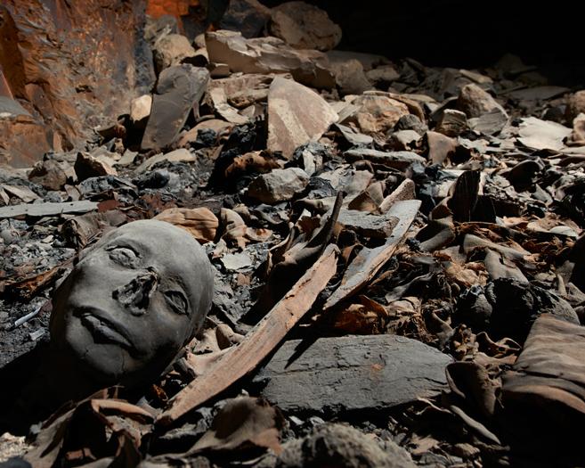 Restos de la tumba de la familia del faraón Amenhotep III en el Valle...