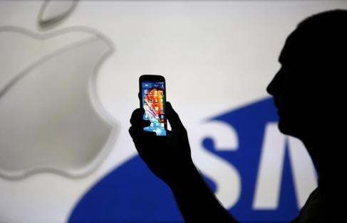 Samsung deberá pagar 86 millones de euros tras perder otra batalla en la guerra de patentes contra Apple